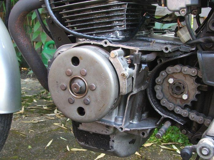 replacing a honda cb400 alternator 02